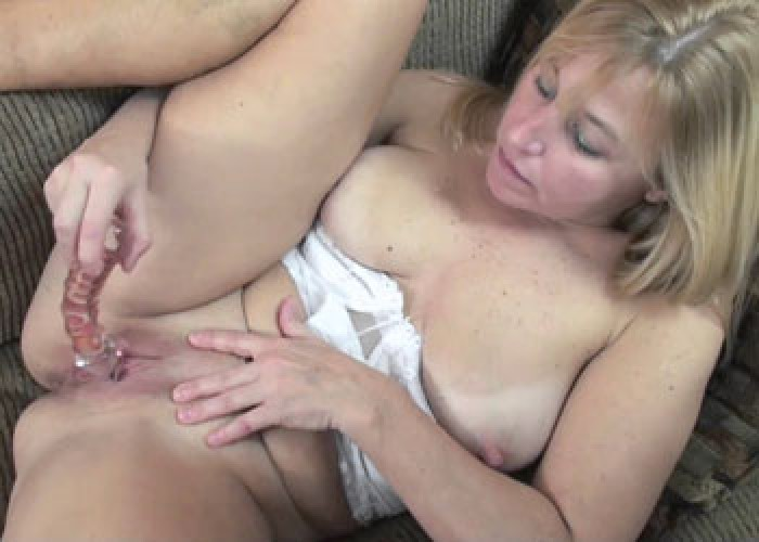 Swinging milf liisa takes a dick in her experienced pussy 7