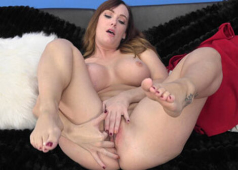 Dani's giving JOI while she masturbates